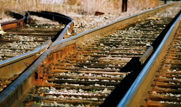 how_to_make_hard_decisions_easier_train_tracks_new