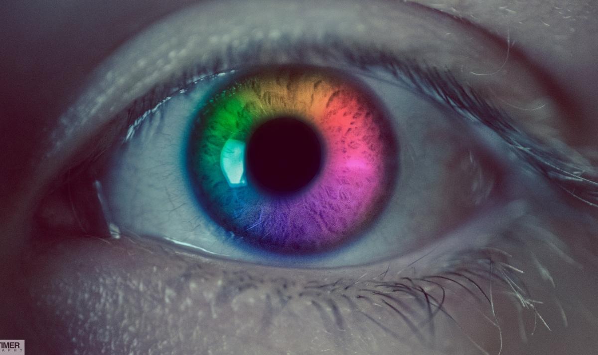Too_many_interests_multi_eye